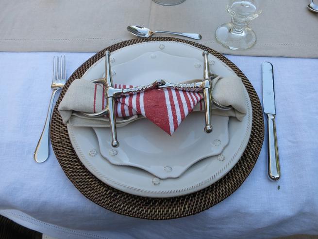 Bits are beautiful napkin holders!